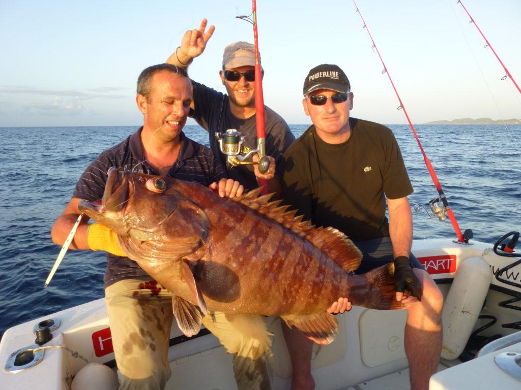Gros mérou pris au jig en Guadeloupe